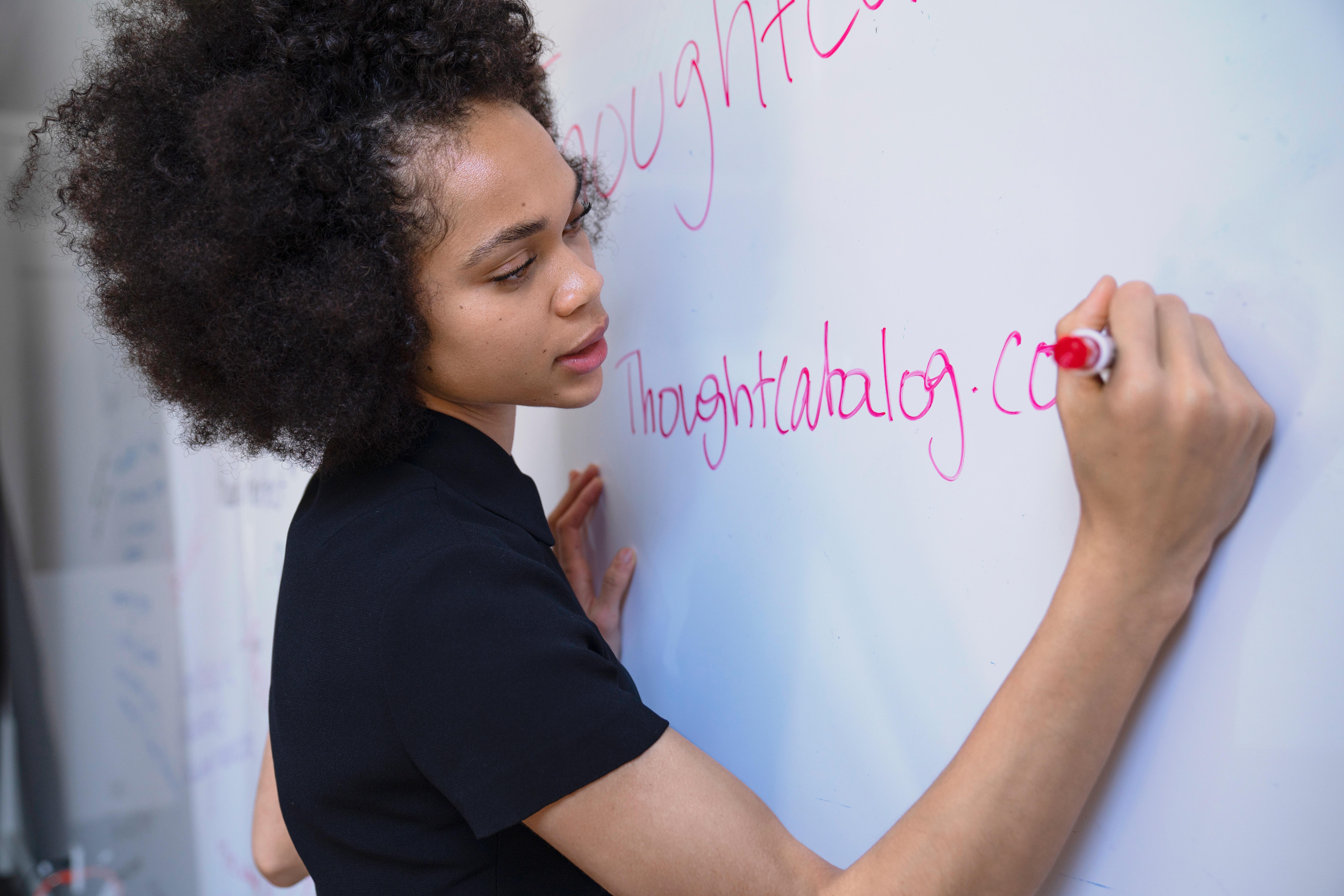 英語力を上げたい学生は塾で英語講師のバイトをするべき
